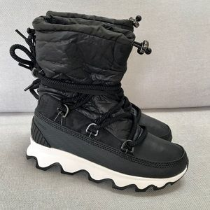 New Sorel Kinetic Boot Black and White 6